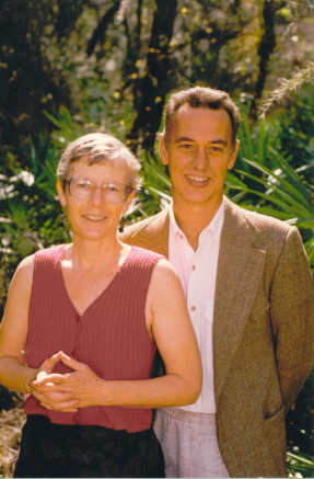 Dinesh and Julia Mader have been practicing Ayurveda since 1985 with their special focus of Ayurveda in nature and Ayurvedic cooking.